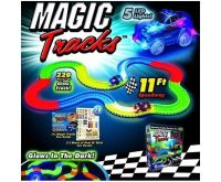 Magic Tracks Set Sada s křižovatkou + 2x autíčko